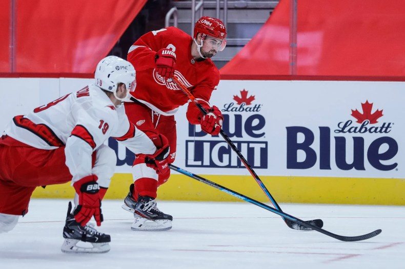 Detroit Red Wings eye redemption after loss to Carolina Hurricanes