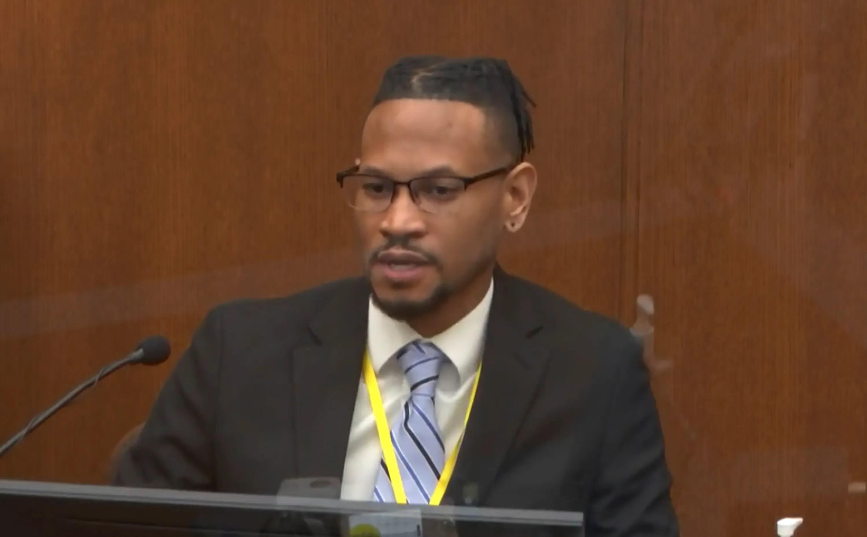 Witness Minneapolis Police sergeant Jon Edwards testifies in the Derek Chauvin trial.