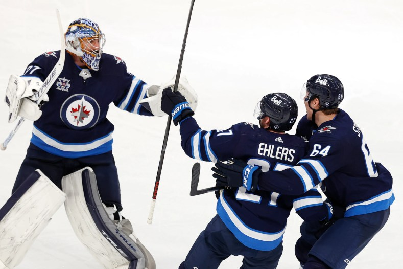 NHL scores: Oilers collapse as Jets rally; Bruins looking dangerous