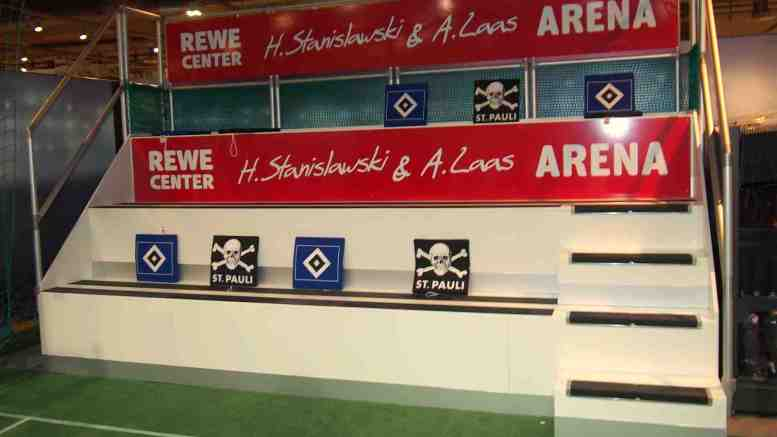Indoor Fußball Arena im REWE Center Hamburg
