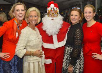 CEU Präsidentin Kristina Tröger mit Santa Claus und Präsidium