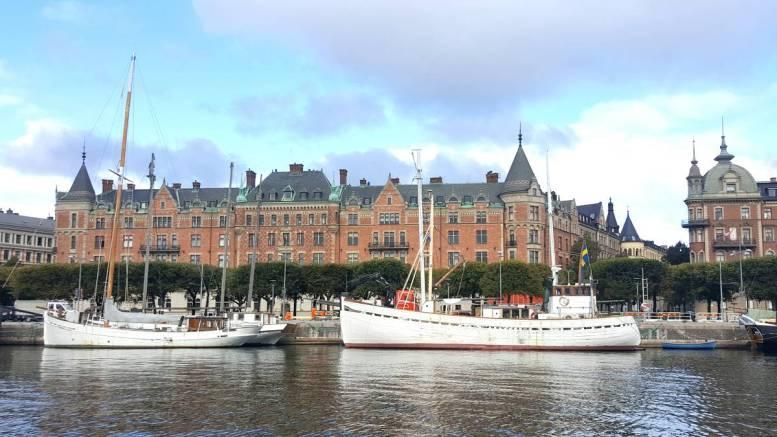 Schiffe im Hafen von Stockholm