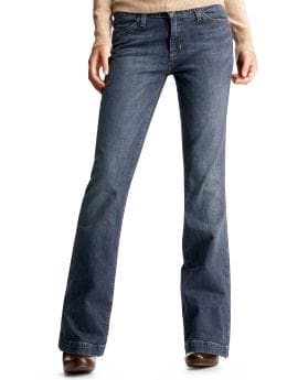 Women: Long and lean jeans - medium tint