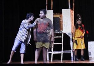 Pementasan 'Ssst..!!' yang dipentasankan teater So'Proesional (ist)