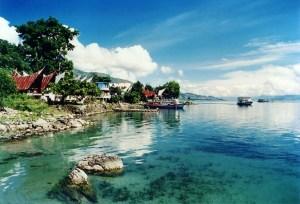 Foto ilustrasi: Pemandangan tepian Danau Toba