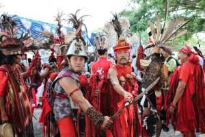 Foto ilustrasi: Tarian Kabasaran, sekelompok pria yang memakai baju adat perang Minahasa (ist)