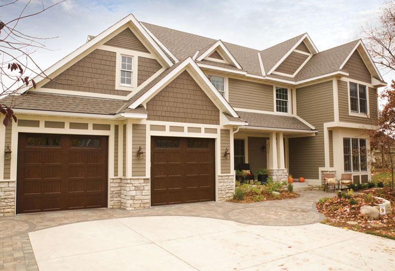 Garage Door Styles - Carriage House Garage Doors on Garage Door Colors Pictures  id=92400