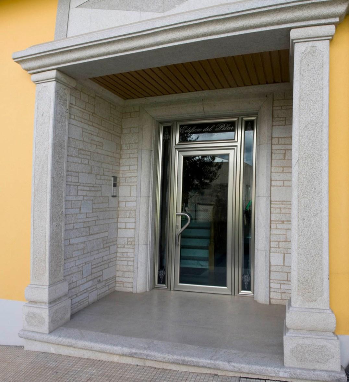 Construcción de Portal de Edificio
