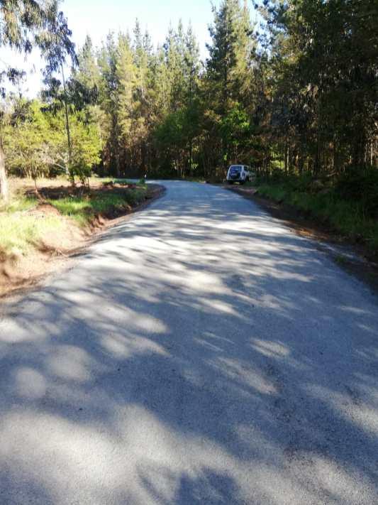 Asfaltado de carreteras en Accesos a Anxeriz e A Muraza