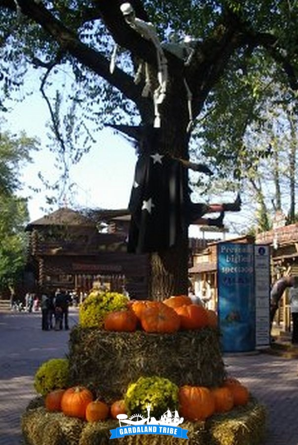 gardaland-tribe-history-aperture-speciali-magic-halloween-2004-05