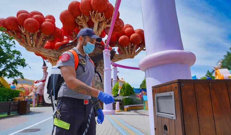 Gardaland riapre: mascherine, prenotazione obbligatoria e distanza sulle attrazioni