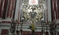 L'immagine della Madonna di Fraole nell'altare a lei dedicato nella chiesa parrocchiale