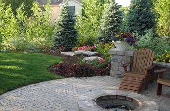17 Best Ideas About Backyard Landscaping Privacy On Pinterest throughout Landscaping Ideas For Small Backyard Privacy
