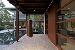 Timeless Contemporary House In India With Courtyard Zen Garden for Zen Garden Interior Design