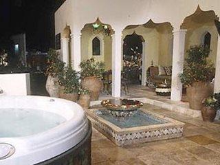 Moroccan-Style Gardens | Garden Design on Moroccan Backyard Design  id=62416