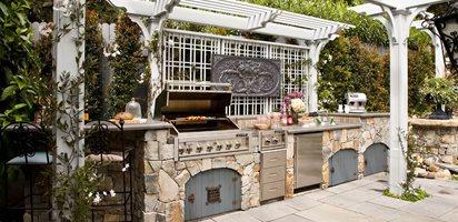 Heather Lenkin's Victorian-Inspired Outdoor Kitchen Lenkin Design Pasadena, CA