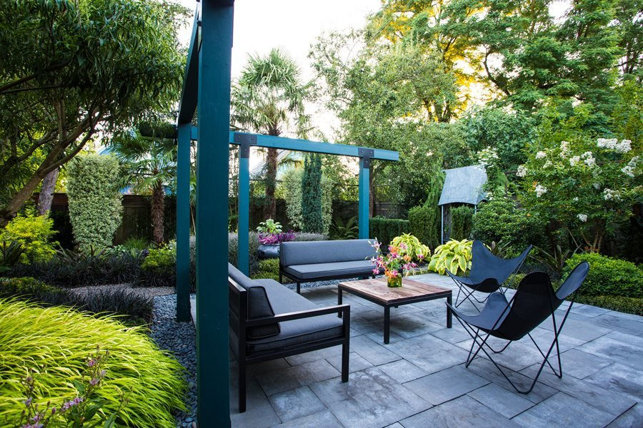 Small Garden Gets Tropical Makeover | Garden Design on Tropical Small Backyard Ideas id=47641