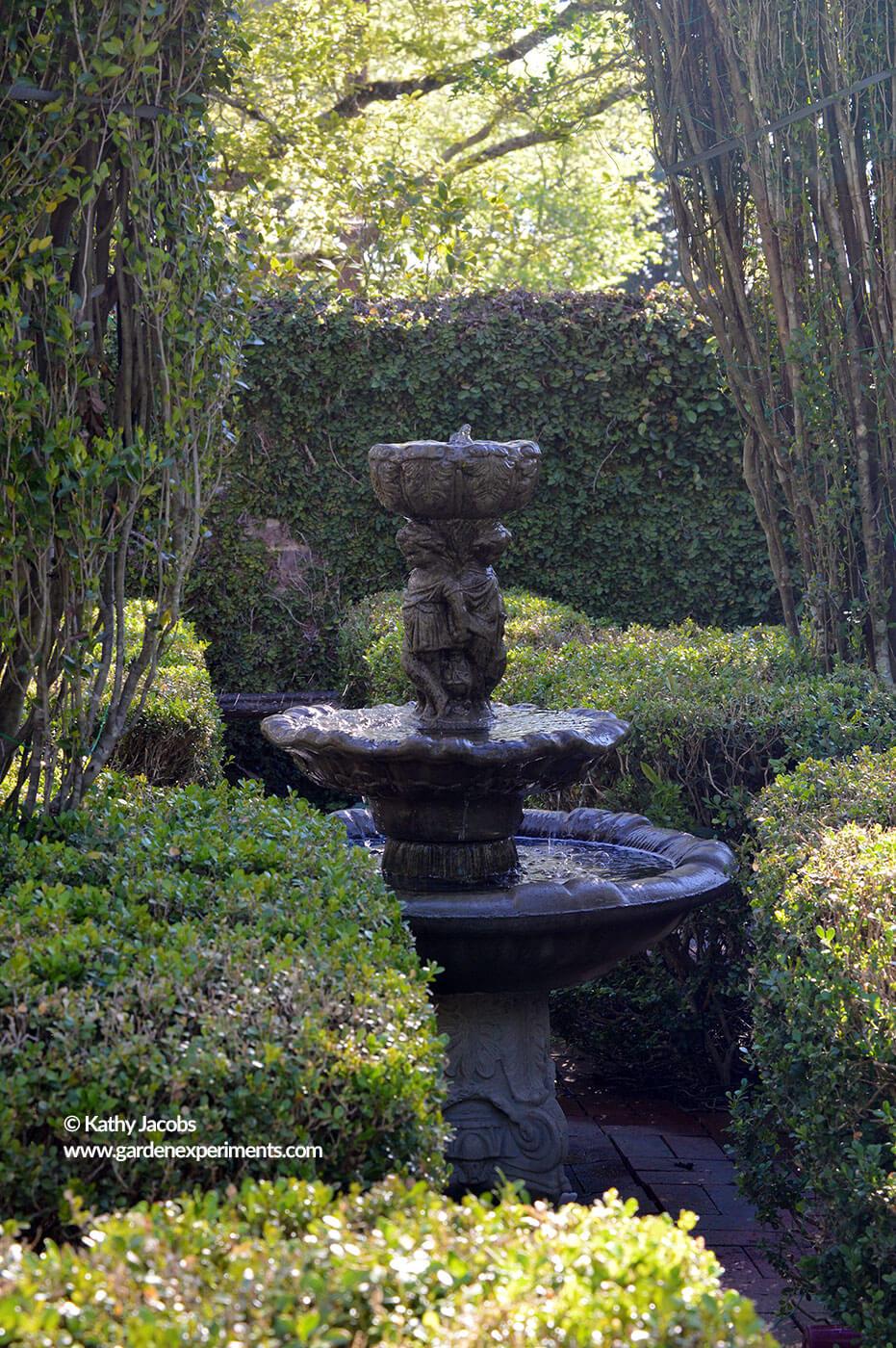 spring tour of colonnade garden in columbus  ms
