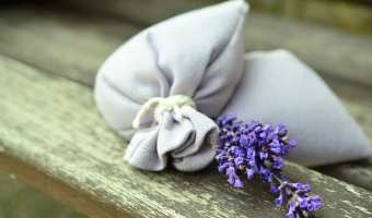 3 Ways to Use Lavender Flowers to Freshen Laundry