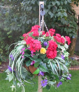Baskit Geni holds your hanging baskets in place