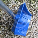Review: Fold down snow shovel – ideal for car or home