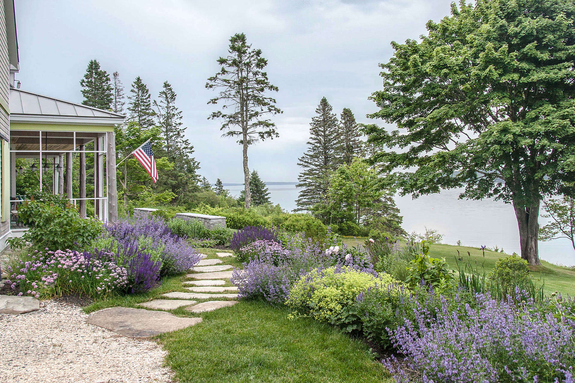 Landscape Architect Visit: Clamshell Alley on the Coast of ... on Coastal Backyard Ideas  id=21692