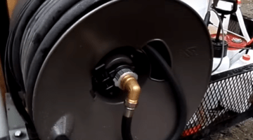 How to repair a hose reel?