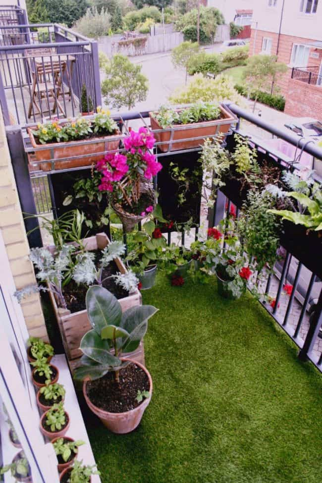 33 Apartment Balcony Garden Ideas That You Will Love ... on Apartment Backyard Patio Ideas id=53420