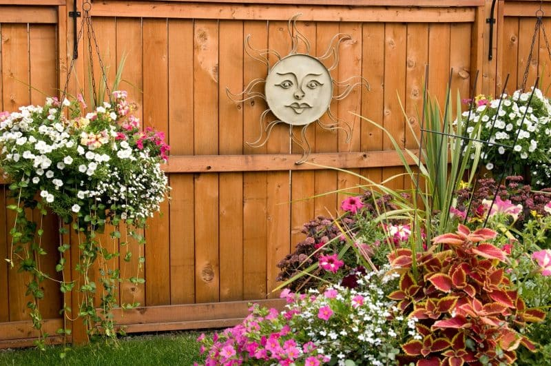 27 Gorgeous Fence Planters Garden Outline
