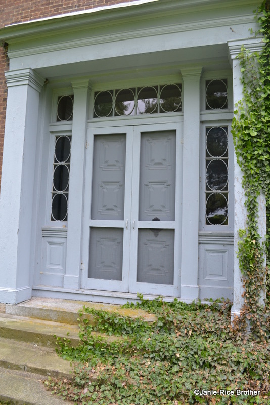 Greek Revival doorway, Montgomery County, Kentucky.