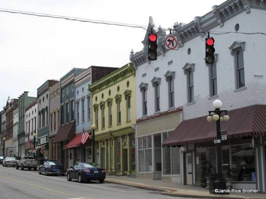 Looking up South Main Street in Harrodsburg, Mercer County, Kentucky.