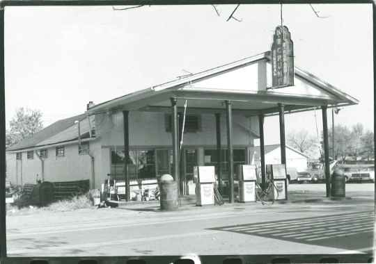 The Crump-Dykes Store at Sewell Shop in 1976. Photo courtesy the Kentucky Heritage Council.