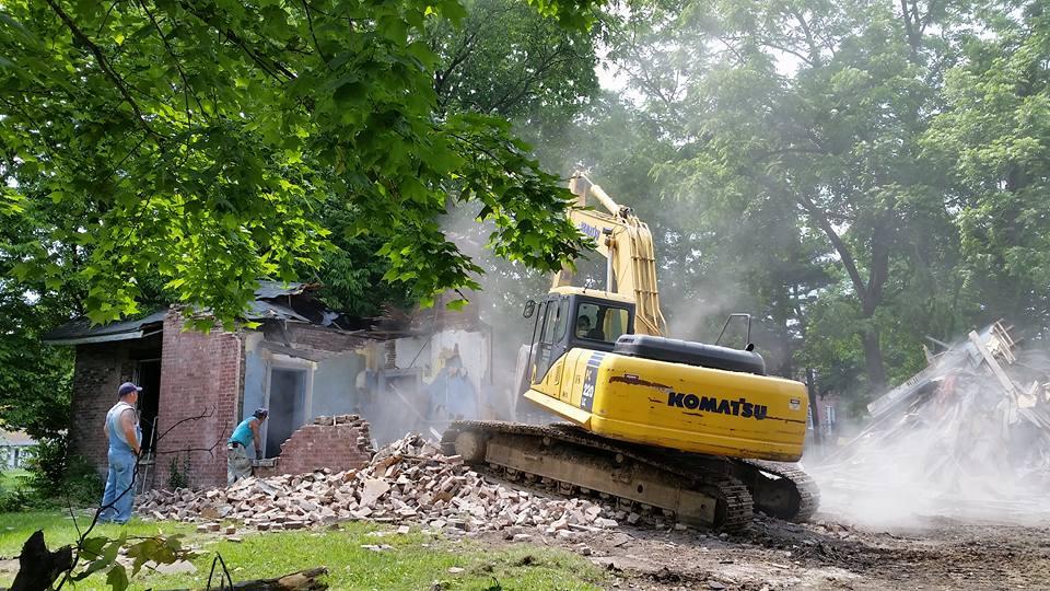 Demolition in progress, Paris, Kentucky. Photograph by Rogers Barde.