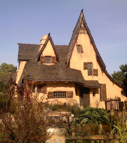 The Spadena House in BeverlyHills, California is perhaps the most famous example of the Storybook Style. Photo Wikimedia Commons, Creative Commons.