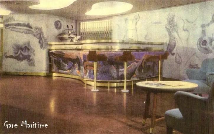 Cabin Class Pool Bar