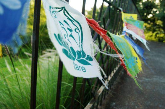 Bandeiras de Mantras, Crédito de imagem Surian Dupont