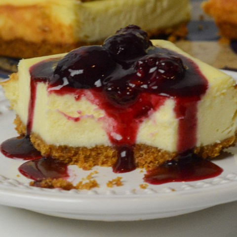 red wine and berry cheesecake