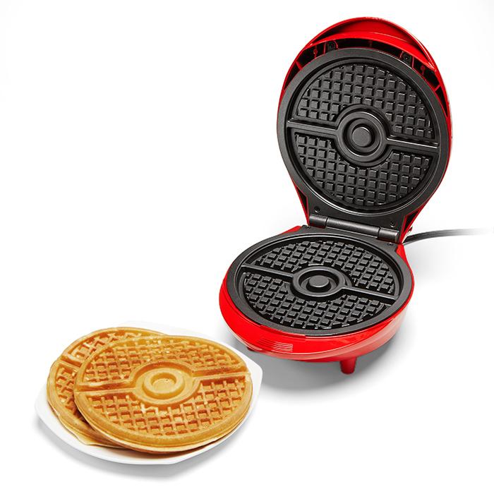 máquina-de-waffles-pokémon-pokébola-01