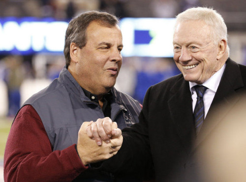 New Jersey Governor Chris Christie hangs out with Emperor Palpatine