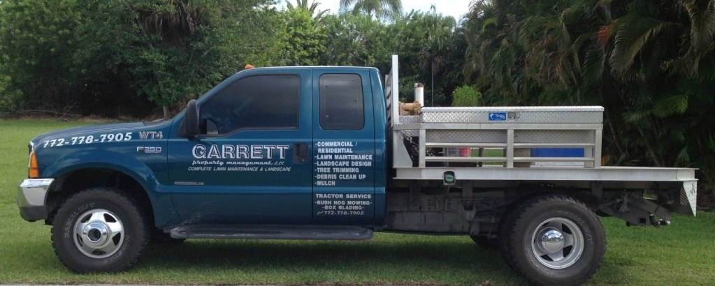 Landscaping, tree trimming, landscape design, community lwn cutting, brick pavers and planting in vero Beach and Sebastian
