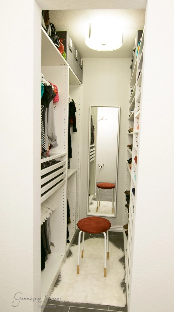 This walk-in closet is only 25 sqft! Can you believe I fit this much into  25 sqft?! This small walk-in closet really PAX a lot in