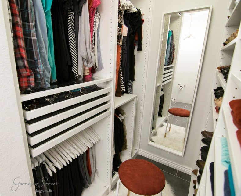 Small walk in closet pax big storage garrison street for Studio closet design