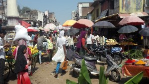 Busy food market in Dhule