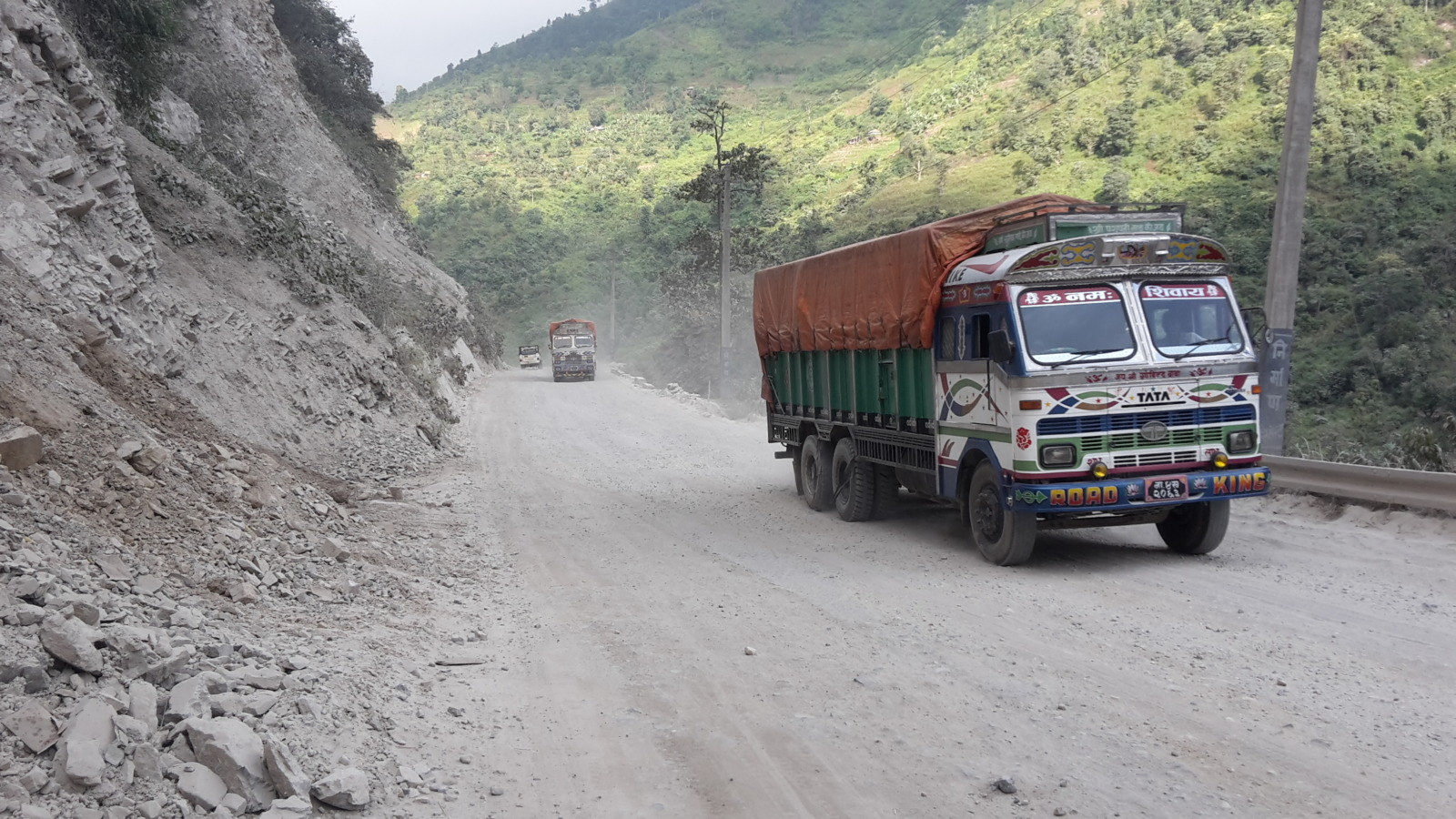 The rough road from Mugling to Narayangadh.