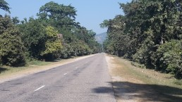 Quiet roads on the way to Lamah.