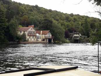 House along the Thames