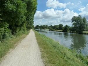 Cyclepath along the river Cam Cambridge