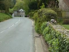 Road wall ducks
