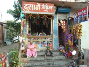 The family from the little shop I used whilst I was stuck in Dhule.