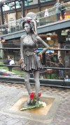 Amy Winehouse statue Camden